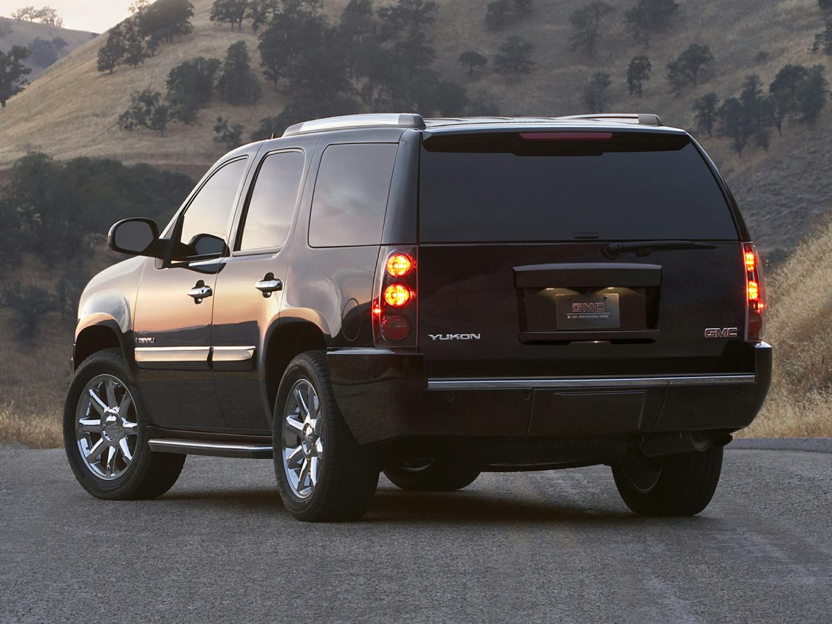 automobiles gmc details image yukon black in ab utility l xl sport view onyx lethbridge used additional door photo
